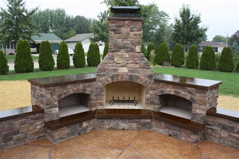 outdoor kitchen and fireplace mchugh s decorative concrete outdoor living areas fox valley wi