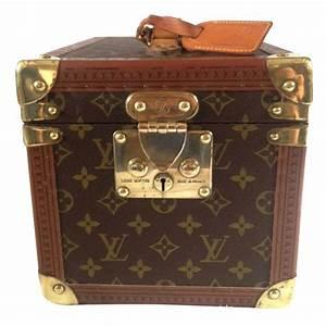 6b1a4f1a86f sacs de voyage louis vuitton vanity case cuir toile marron joli closet