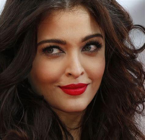 bright red l shade 4 best aishwarya rai s favorite lipstick shades