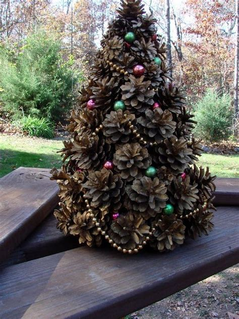 mini christmas tree   pine cones craft projects
