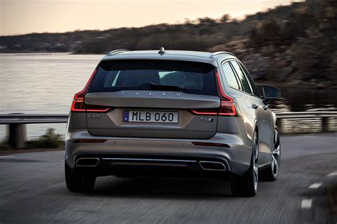 Volvo 2019 Station Wagon by 2019 Volvo V60 Price Release Date Review Interior