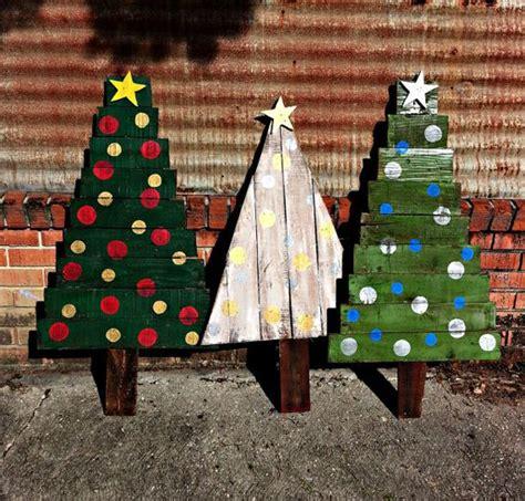 creative pallet christmas trees  decor ideas