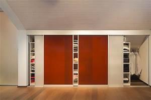 Kleiderschrank In Dachschräge : begehbarer kleiderschrank durch schiebeelemente in der dachschr ge auf zu ~ Sanjose-hotels-ca.com Haus und Dekorationen