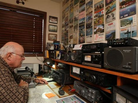 men support fading ham radio habit