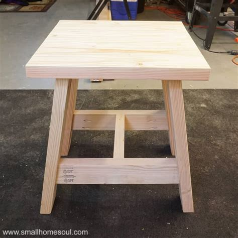 build   outdoor table    diy plans girl