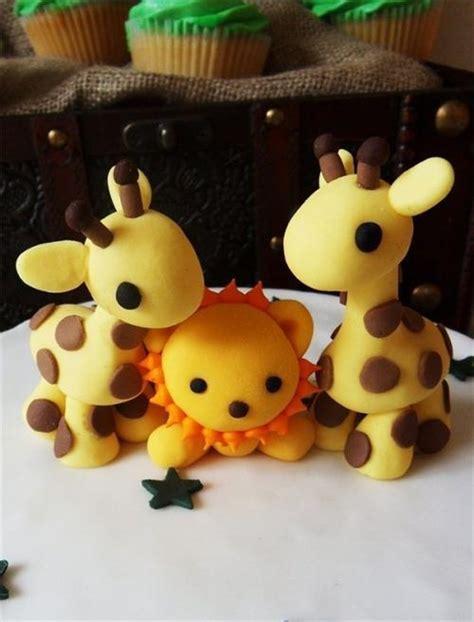 girafe en p 226 te d amande modelage en volume