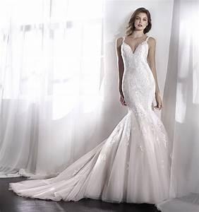 Robe De Mariee Sirene : robe de mariee coupe sirene pres du corps dentelle leviras ~ Melissatoandfro.com Idées de Décoration