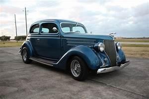 1936 Ford 2 Door Sedan