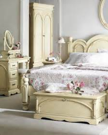 Vintage Bedroom 10 Decorating Idea App Directory Shabby Chic Decorating Ideas That Look Good For Your Bedroom