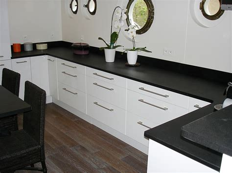 hauteur table bar pour cuisine intérieur granit plan de travail en granit noir