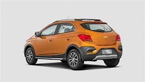 Activ Automobiles : 2017 chevrolet onix activ revealed in brazil autoevolution ~ Gottalentnigeria.com Avis de Voitures