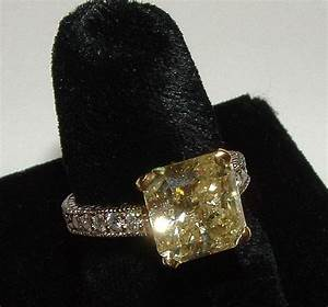 main image With canary yellow diamond wedding ring