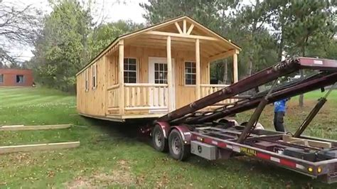 amish workshop tiny house delivery    hydraulic trailer youtube