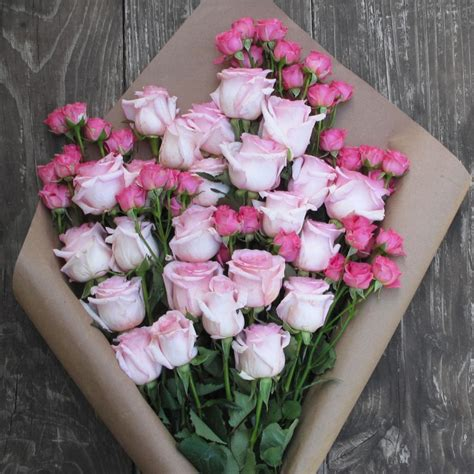 floor delivery this new flower delivery service takes the ick factor out of buying flowers online glamour