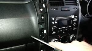 Navi Suzuki Grand Vitara : how to remove the radio from a suzuki grand vitara youtube ~ Jslefanu.com Haus und Dekorationen