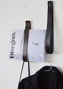 fabriquer porte revue avec laniere ou ceinture cuir With peinture mur exterieur couleur 11 fabriquer un composteur en palette ou bois de recup