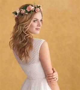 coiffure avec couronne de fleur fashion designs With chambre bébé design avec couronne fleur cheveux mariage