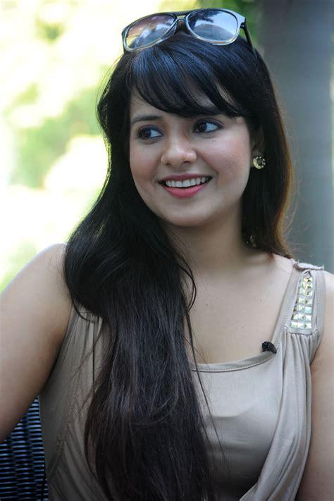 Telugu Entertainment: Saloni Aswani Hot Spicy Pictures