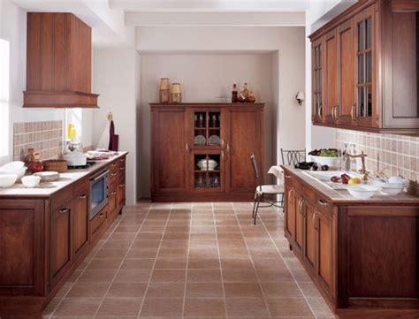 faience cuisine rustique cuisine rustique en bois avec sol carrelage moka idées