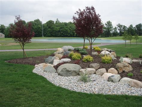 using boulders in landscaping boulder walls
