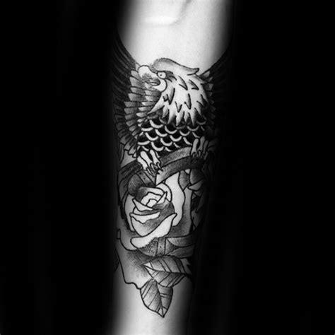 horseshoe tattoo designs  men good luck ink ideas