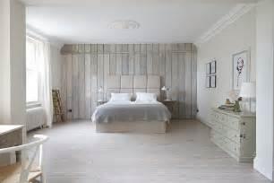peindre un canapé lambris bois blanc inviter le style cagne chic à la maison