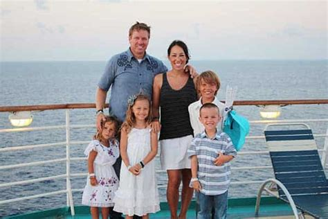 Chip Gaines Age by Fixer Upper Joanna Gaines Age Bio Height Family