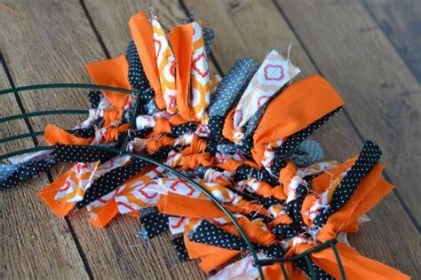 DIY no sew Halloween Boo fabric tie wreath - Waverly ...