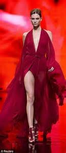 Karlie Kloss steals show at Donna Karan New York Fashion ...