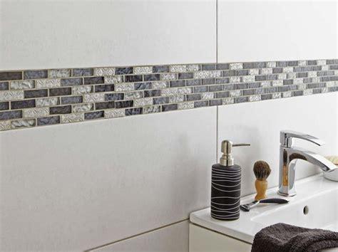 plaques adhesives salle de bain plaque mosaique adhesive stunning mosaique inox carrelage inox les plaques de mosaique et