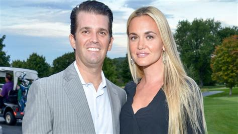 trump donald jr wife divorce getting conmovedora anuncio vanessa reports tras mas getty divorcio insideedition