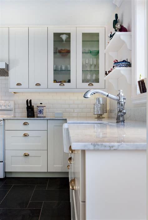 changer robinet de cuisine intérieur de style cape cod adapté à un duplex montréalais