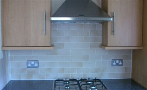 how to tile kitchen splashback tiling a kitchen splashback tiling 7369