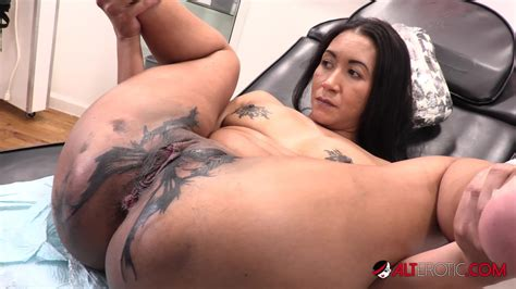 Sindy Ink Horny Tattoo Session Free Xxx Mobile Tube Hd Porn Xhamster