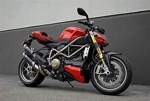 Ducati Streetfighter    Streetfighter S 2010 Owner Manual