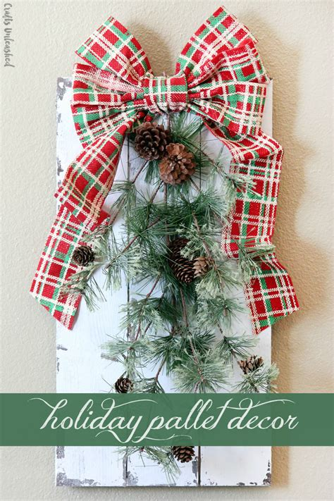 Diy Holiday Decor Rustic Chippy Paint Pallet Crafts