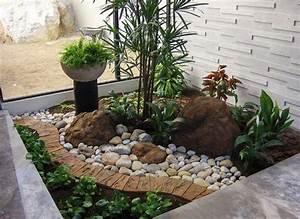 de 20 fotos de jardines con piedras que os van a encantar With nice quelles plantes pour jardin zen 11 plante dinterieur les palmiers dinterieur plantes d