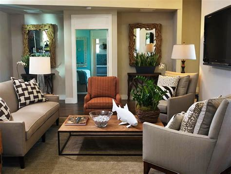 decorating small livingrooms small room design hgtv small living room ideas design