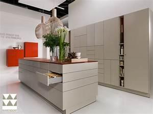 Küchenzeile Mit Aufbau : k chenblock mit elektroger ten restposten ~ Eleganceandgraceweddings.com Haus und Dekorationen