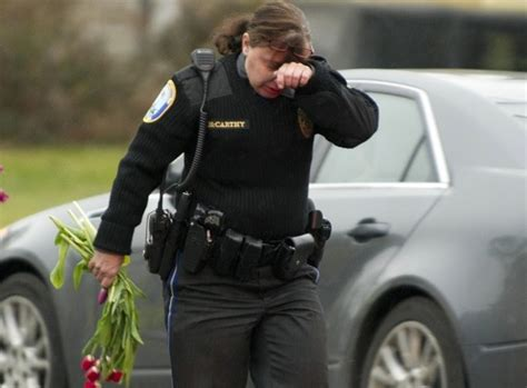 ptsd  police officers   newtown massacre north