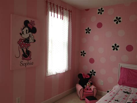 minnie mouse room painted stripes  dots    yr