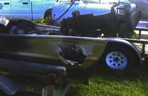 What Happens When Lightning Strikes A Boat by Struck By Lightning Fishing Rods Www Imagenesmy