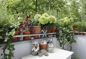 balkon und terrasse optimal gestalten obi ratgeber With französischer balkon mit große windlichter für den garten