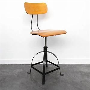 Chaise Bar Reglable : 27 id es d co de tabouret et chaise de bar industriel ~ Teatrodelosmanantiales.com Idées de Décoration