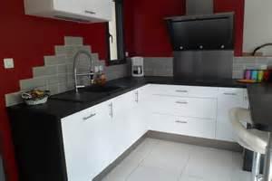 d 233 co cuisine blanc plan travail noir besancon 3311