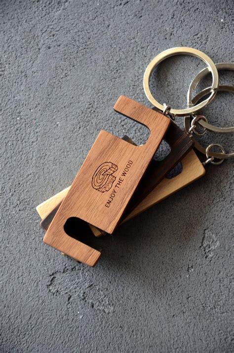 pin  sanela  enjoythewood iphone holder