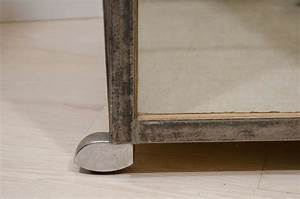 Vitrine Metall Glas : polished steel and glass vitrine at 1stdibs ~ Whattoseeinmadrid.com Haus und Dekorationen