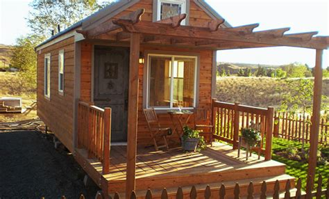 small cabins for in home tiny portable cedar cabins