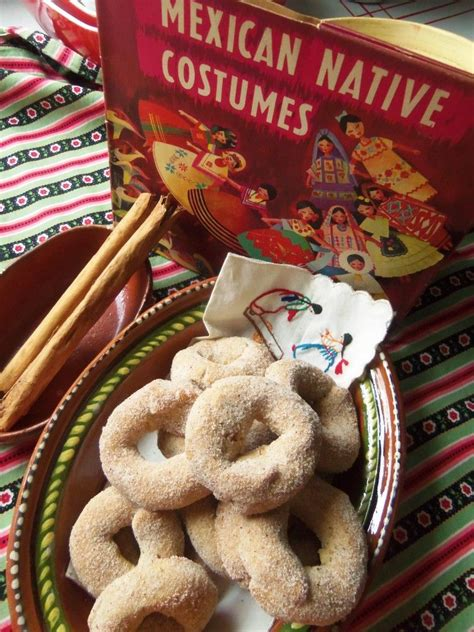 Christmas in mexico is typically celebrated with the christian, specifically catholic, religion in mind. Roscas de Canela - Mexican Cinnamon Cookies - Hispanic ...