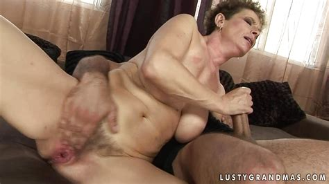 mature lady sucking on young cock and gets her hairy pussy fucked fux